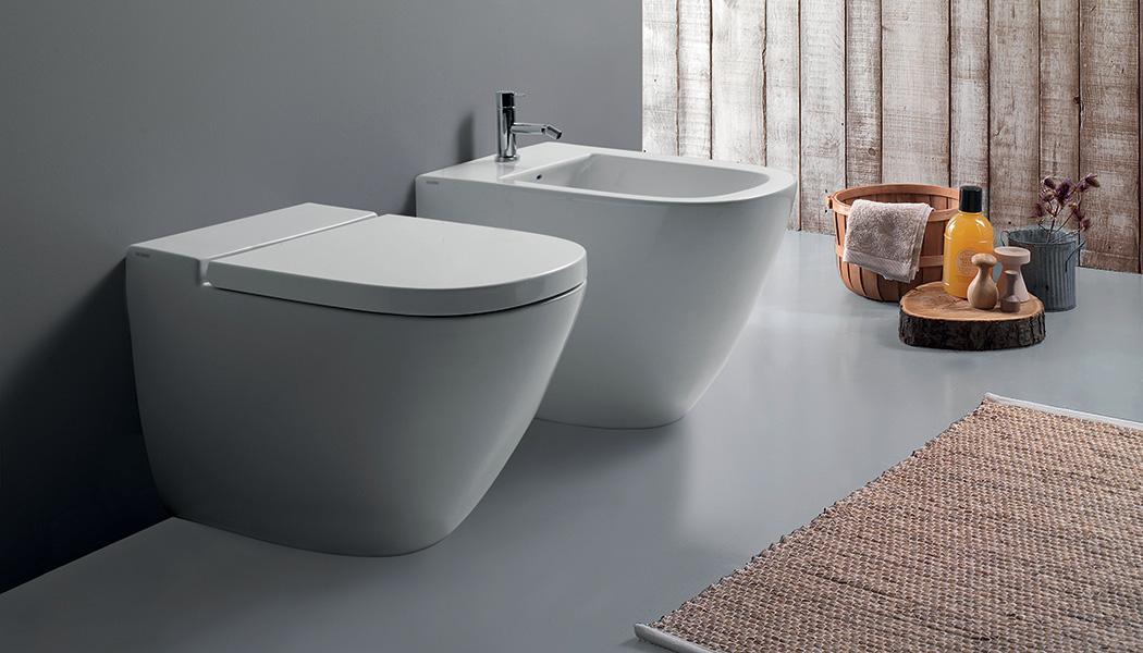 Ceraslide lo smalto innovativo per sanitari brillanti e - Smalto per pareti bagno ...